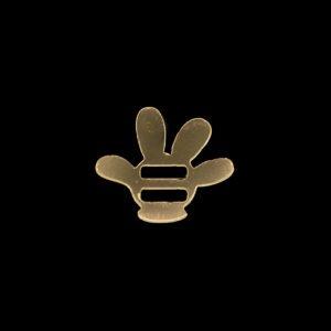 aplique espelhado no formato de luva do Mickey